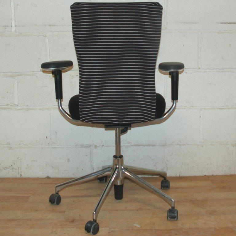 VITRA Task Chair Black White Stripes · VITRA ...