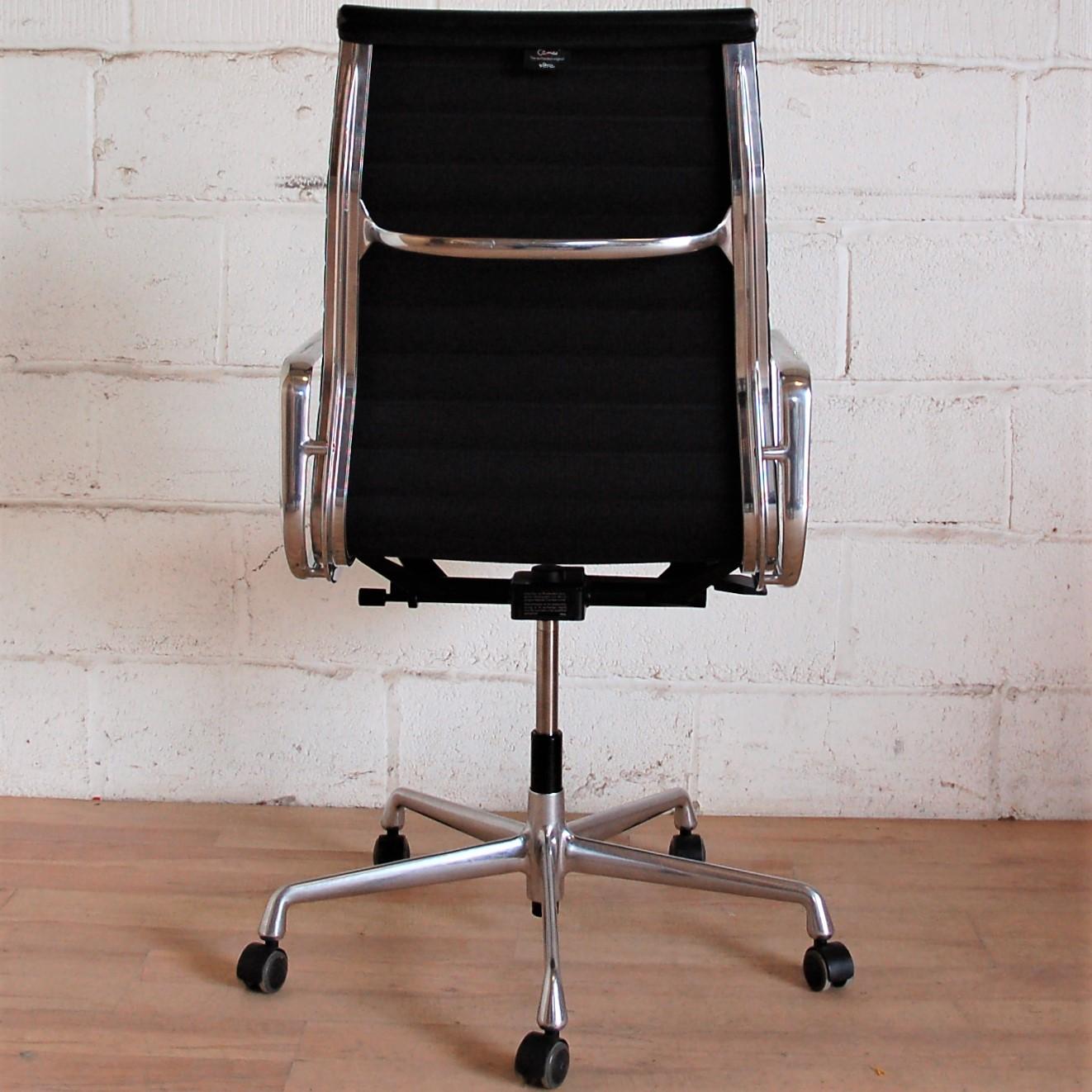 Vitra charles eames ea119 aluminium group chair 2084 for Eames chair england