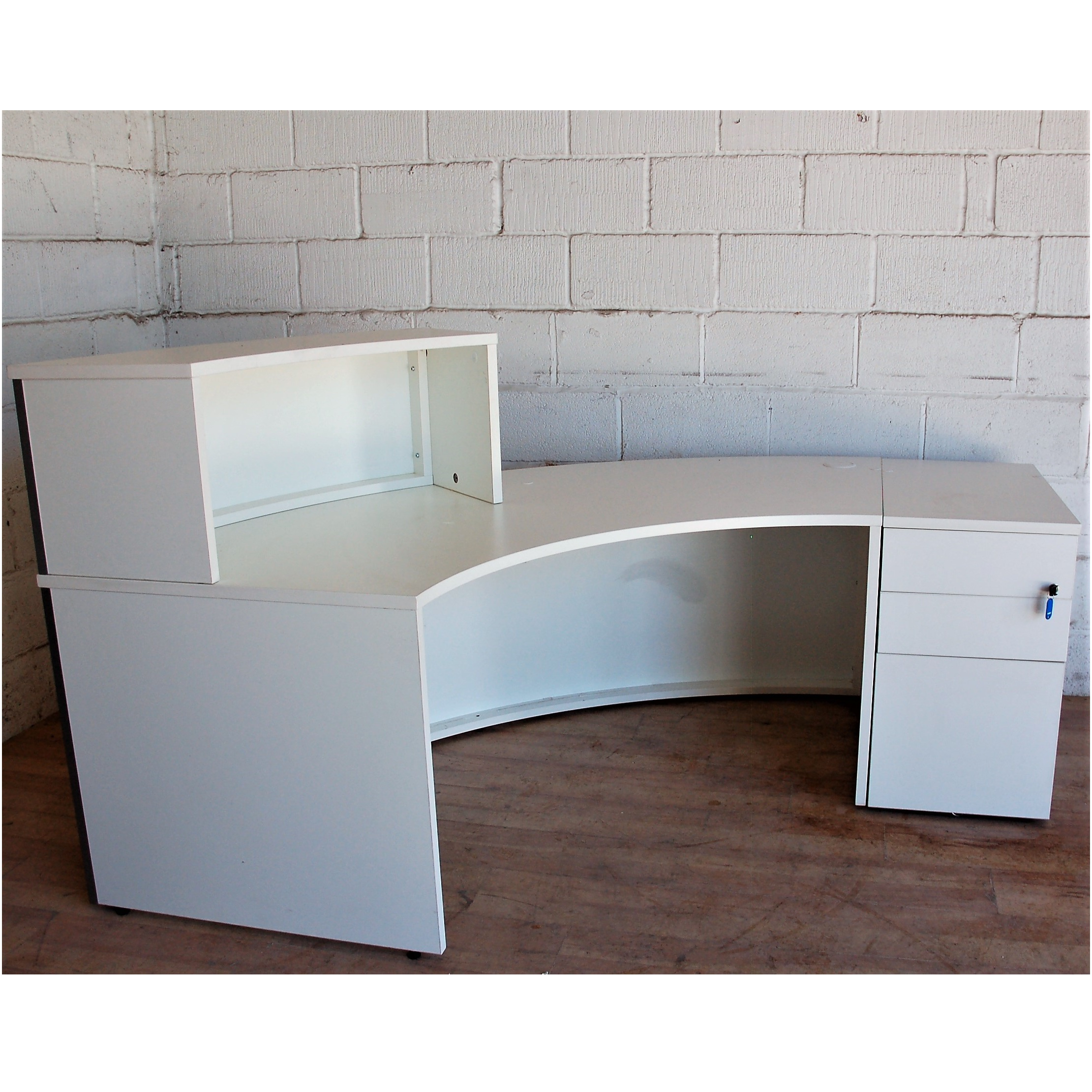 Reception Desk White Curved 13018 | Allard Office Furniture