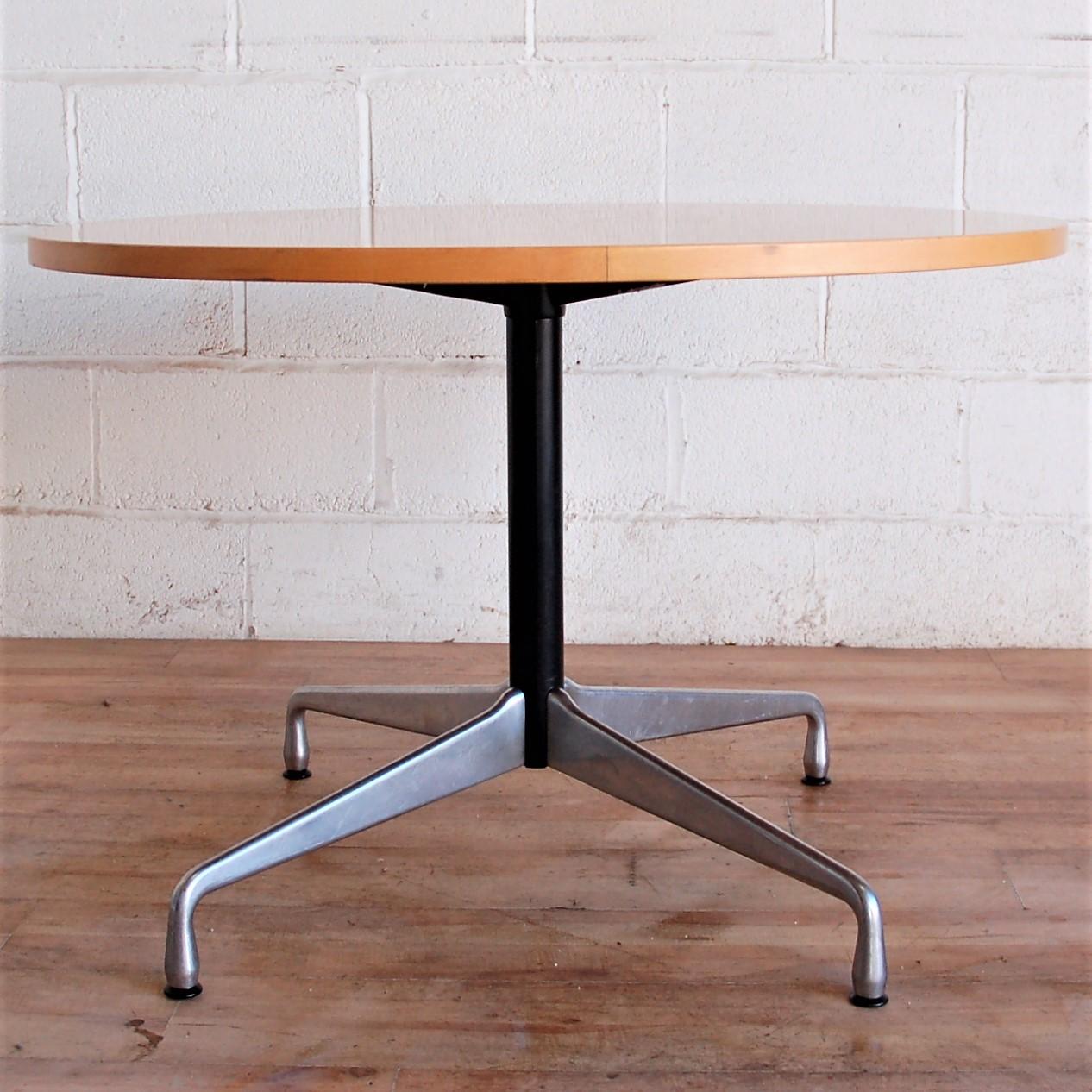 VITRA HERMAN MILLER Charles Eames Table 15043