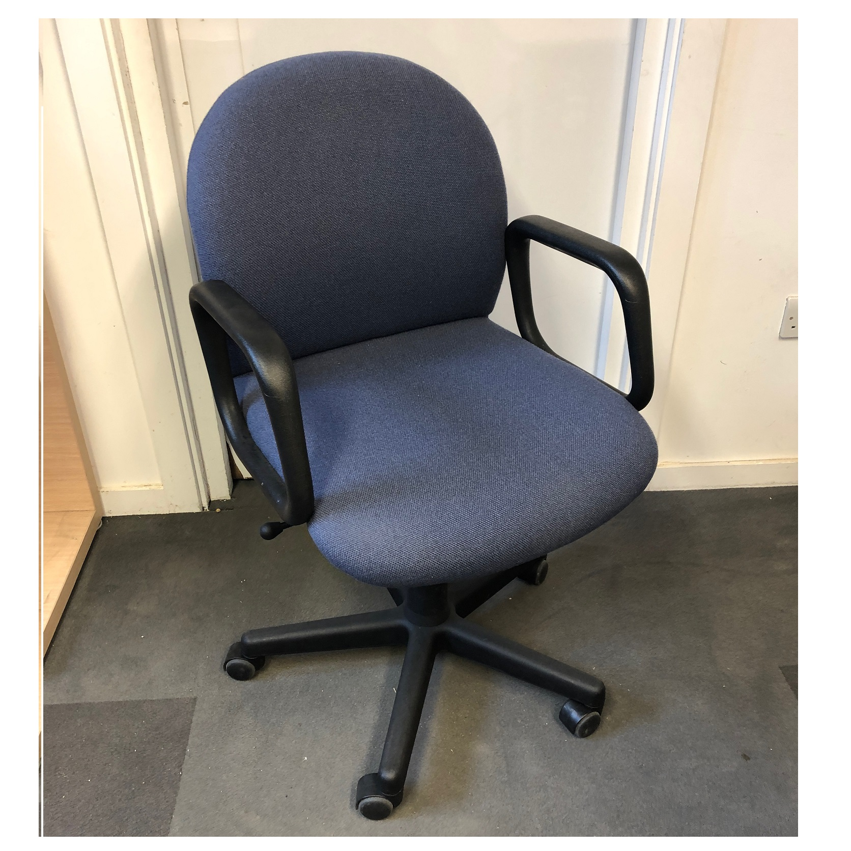 Operators Chair Blue Fabric 2151 Used Office Chairs