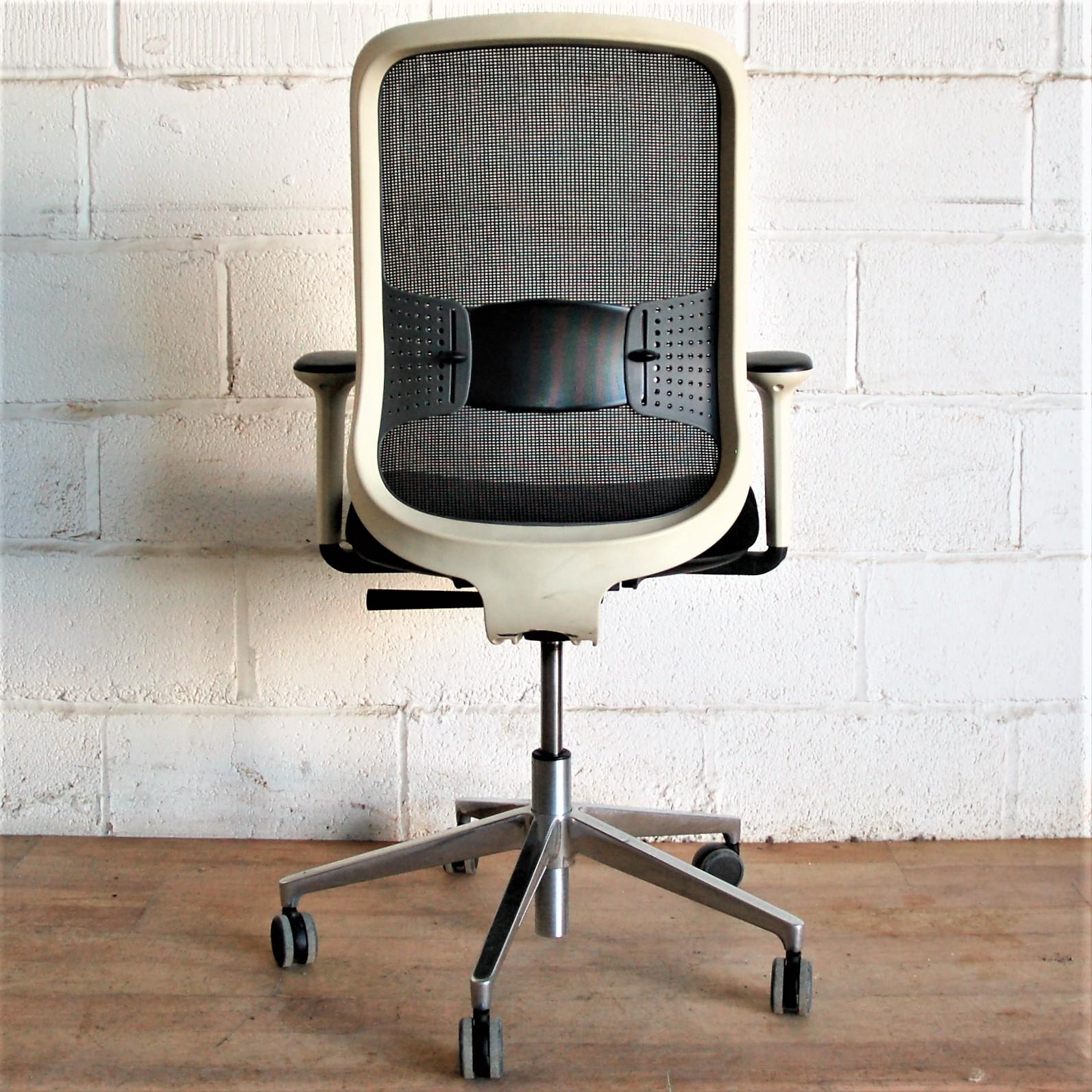 Wondrous Orangebox Do Mesh Task Chair Black White 2154 Inzonedesignstudio Interior Chair Design Inzonedesignstudiocom