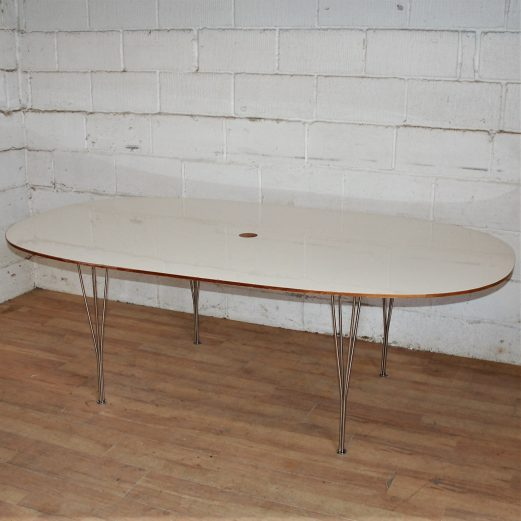 Oval Meeting Table Marked 15104