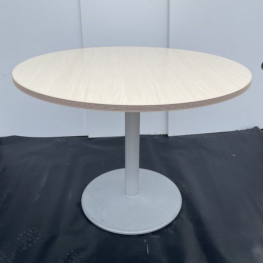 Bene Round meeting Table 15113