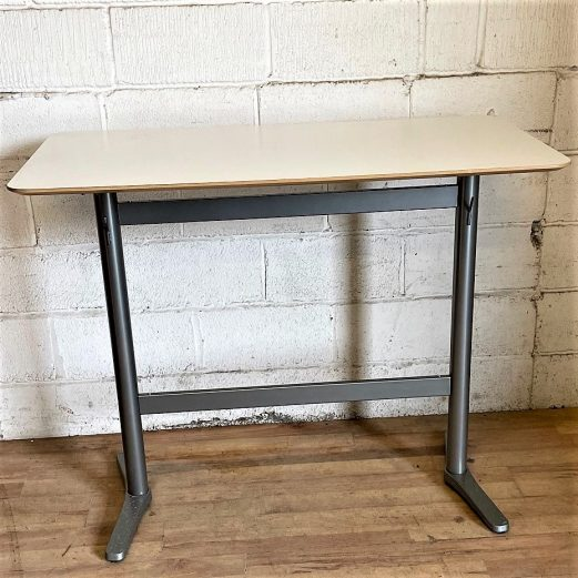 High Table White Silver 15131
